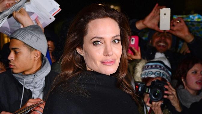 Angelina Jolie to Miss 'Unbroken' Premiere Due to Chicken Pox